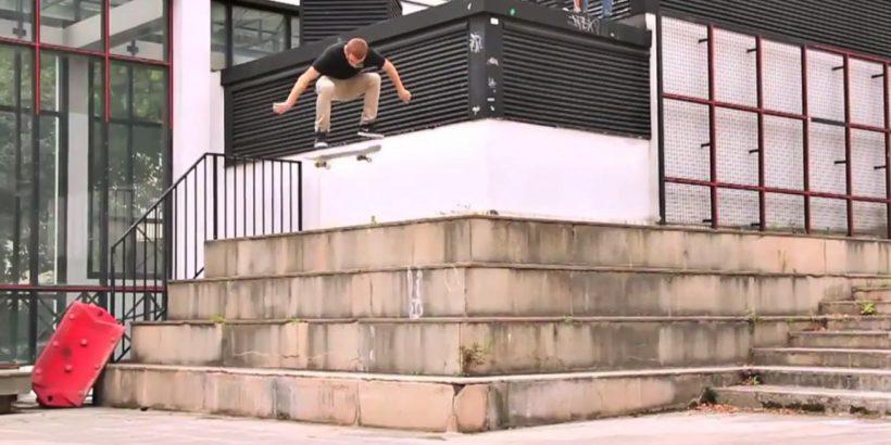 Adrien Bulard dans The AM Project de Jart Skateboard