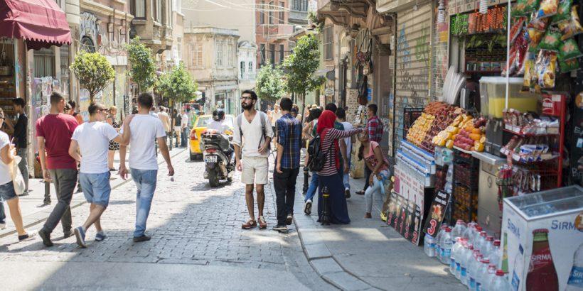 A Istanbul avec Eastpak, Dede Street