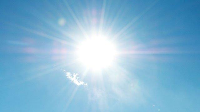 soleil-canicule-vetements-ete-debardeur